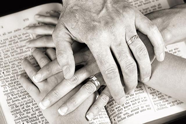 hands-Bible-family-SLIDER